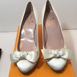 Kate Spade Ivory satin bridal Pumps Size 6.5 M